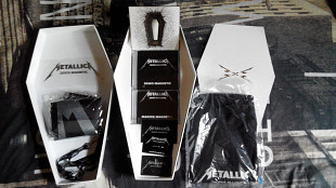 Продам фирменный CD Metallica - Death Magnetic – 2008 - limited Coffin Box Set