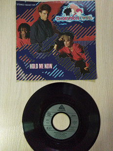 "Thompson Twins ‎– Hold Me Now\Arista ‎– 106 037, Vinyl, 7"", 45 RPM, Single\Europe\1983"
