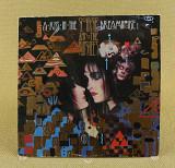 Siouxsie And The Banshees ‎– A Kiss In The Dreamhouse (Англия, Polydor)