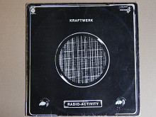 Kraftwerk ‎– Radio-Activity (Capitol Records ‎– 1 J 062-82087, Spain) EX/EX