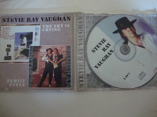 STEVIE RAY VAUGHAN THE SKY IS CRYING/FAMILY STYLE